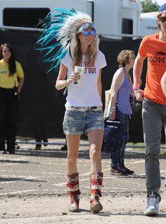 2013 Glastonbury Festival: Poppy Delevingne And Cara Delevingne Style   Festivals
