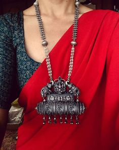 Style boho casual necklaces 43 New Ideas Sari, Saree Dress, Khadi Saree, Chiffon Saree, Cotton Saree, Silk Sarees, Indian Fashion, Boho Fashion, Couture Fashion