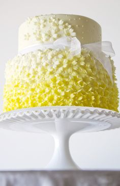 #Yellow #wedding #cake