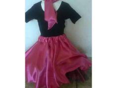 Linda falda circular en el color que mas te guste, incluye mascada para el cuello o para el cabello.