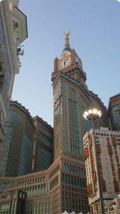 Мекка I ❤️ love Islam. Mecca Madinah, Mecca Masjid, Masjid Al Haram, Islamic Wallpaper Hd, Quran Wallpaper, Mecca Wallpaper, Beautiful Mosques, Beautiful Places, Aesthetic Backgrounds