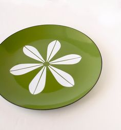 Vintage Catherine Holm Plate Avocado Green by TheOtherLifeVintage, $87.00