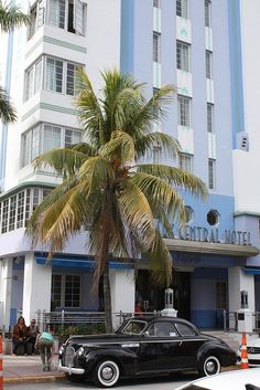 & restored in Architect: Henry Hohauser, Style: Art Deco Hotels in Ocean Drive! Art Deco Hotel, Miami Art Deco, Usa Miami, Miami Florida, Art Deco Car, Art Deco Buildings, South Beach Miami, Ocean Drive, Art World