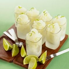 Amazing drink recipe for a perfect summer party: refreshing lime and vodka granita, a sweet iced drink!