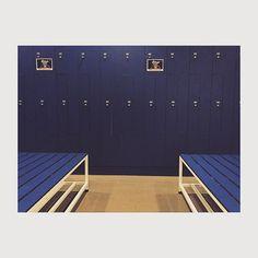 Vuelta a la rutina.. Sana  #majadahonda #madrid #spain #valledelaoliva #gym #gymlife #gimnasio #assasport #vestuario #azul #blue #locker #lockerroom #taquilla