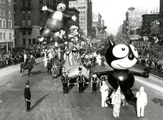 Macy's Thanksgiving Day Parade 1958 | looks a little stoned in just the sixth Macy's Thanksgiving Day parade ...
