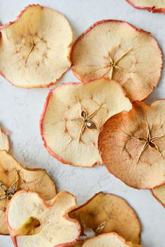Apple Recipes, Snack Recipes, Cooking Recipes, Snacks, Baked Apples, Cinnamon Apples, Apple Chips, Carrot Soup, Butternut Squash Soup