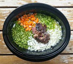 Old-Fashioned Ham Bone Split Pea Soup {Slow Cooker} Pea Soup Crockpot, Crock Pot Soup, Slow Cooker Soup, Corn Recipes, Healthy Recipes, Healthy Foods, Green Split Peas, Ham Bone, Smoked Ham
