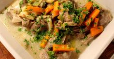 Thai Red Curry, Chicken, Meat, Ethnic Recipes, Food, Eten, Meals, Cubs, Kai