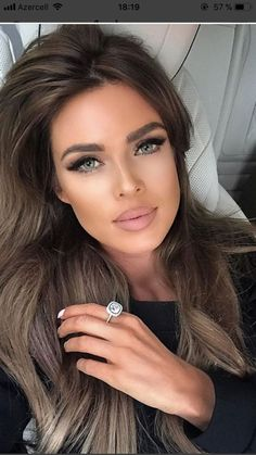 Dark Hair Makeup Long hairstyles for wavy brown hair - - Are Kitc Beauty Makeup, Hair Makeup, Hair Beauty, Eye Makeup, Drugstore Makeup, Matte Makeup, Fair Complexion, Pinterest Hair, Beautiful Eyes