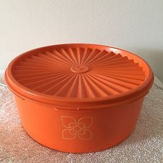 Vintage/Retro Large Orange Tupperware Container 1980s Childhood, My Childhood Memories, Vintage Kitchen, Retro Vintage, Vintage Tupperware, Japanese Pottery, Retro Toys, My Memory, Toys For Girls
