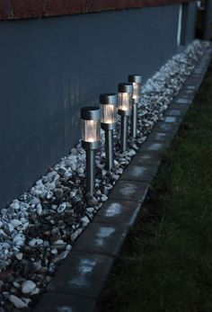 Garden Solar Lighting: Ideas And Tips. Tips and hints, best articles and expert advice about garden solar lights Landscape Lighting, Outdoor Lighting, Lighting Ideas, Solar Lanterns, Solar Lights, Ana White, Driveway Lighting, Deck Planters, Gardening Photography