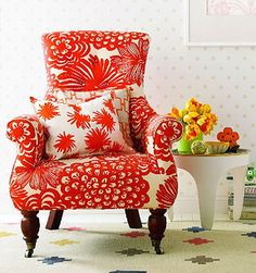Who says you can't use big prints...love this chair!