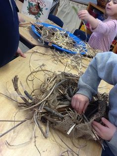Nest building Investigation-see post for details-Play; in a new way. Nest building Investigation-see post for details-Play; in a new way. Forest School Activities, Nature Activities, Spring Activities, Preschool Activities, Reggio Emilia, Outdoor Education, Outdoor Learning, Nest Building, Building Ideas