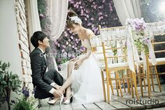 Korean Wedding Studio Photography: Floral Set by Roi Studio on OneThreeOneFour 2