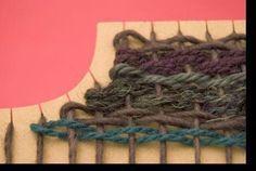 Taller de Ana María                                                                                                                                                     Más Tablet Weaving, Weaving Art, Tapestry Weaving, Loom Weaving, Hand Weaving, Diy Clothes Accessories, Peg Loom, Art Textile, Weaving Projects