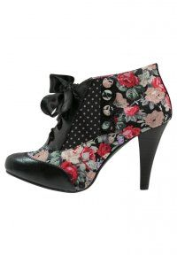 Poetic Licence - BETSEY'S BUTTON - Nilkkurit - black