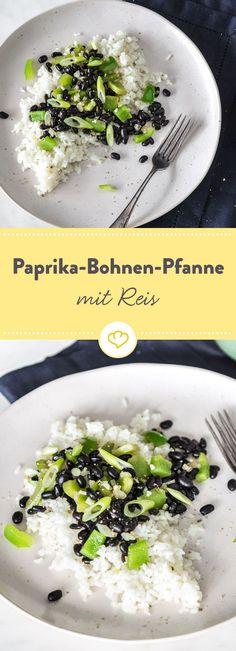 Lässt sich super für den Lunch am nächsten Tag vorkochen, kostet wenig und versorgt dich mit allem, was du brauchst: Bohnen-Paprika-Pfanne mit Reis.