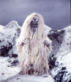 Going out for cigarettes in the middle of winter Japanese Monster, Scary Monsters, King Kong, Horror, Bigfoot, Godzilla, Lasagne, Monster Mash, Science Fiction