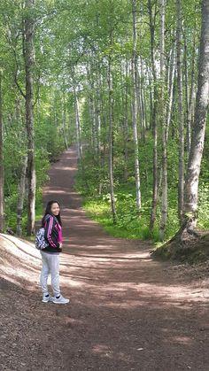 Hiking to thunderbird falls alaska