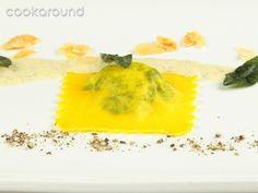 Ravioli di magro con pesto di mandorle e salvia: Ricette di Cookaround | Cookaround