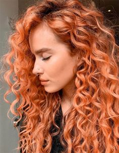 Awesome Curly Haiurct & Red Highlights for Young Girls Growing Long Hair Faster, Grow Long Hair, Wavy Haircuts, Red Hairstyles, Red Hair Looks, Red Hair With Highlights, Bright Red Hair, Colored Curly Hair, Caramel Hair
