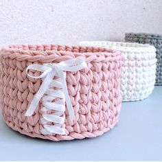 Crochet Bib, Diy Crochet And Knitting, Crochet Boots, Crochet Crafts, Crochet Projects, Crochet Purse Patterns, Crochet Basket Pattern, Knit Basket, Crochet Handbags