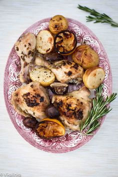 Quick and delicious ONE POT dinner. Perfect for busy weeknights! #chicken #onepotdinner