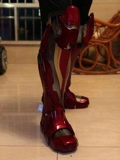 Iron Man Statue Printed Iron Man / Full Body Armors for Display Only Iron Man Suit, Iron Man Armor, Suit Of Armor, Body Armor, Iron Man Cosplay, Cosplay Helmet, Iron Man Fan Art, Ironman, Leather Apron