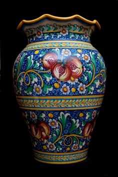 italian pottery - Scalloped umbrella stand | Touch of Sicily (ceramics) Visit our on-line shop at http://www.touchofsicily.it now!