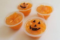 Make sure to use treats packaged in their own juices and not syrup for this jack-o-lantern treat! A sharpie makes a smiley face. #candyfree #Halloween #recycle