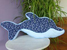 Kissen - Kissen Delfin - ein Designerstück von burgelfe1 bei DaWanda