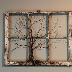 Baum der Lebensskulptur in der Weinlese antikes Fenster rustikal Boho keltisch traditioneller Stil. Antique Windows, Old Windows, Vintage Windows, Vintage Window Decor, Decorative Windows, Old Window Projects, Old Window Ideas, Wire Tree Sculpture, Metal Tree Wall Art