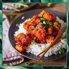 Tofu - die einen lieben ihn die anderen verabscheuen ihn  Als ich angefangen habe mich rein pflanzlich zu ernähren habe ich ihn einige mal probiert und war immer wieder enttäuscht - die Konsistenz der Geschmack einfach komisch Die Abneigung gegen Tofu liegt aber in den meisten Fällen daran dass die Menschen einfach nicht wissen wie man ihn lecker zubereiten kann   Genau deshalb hab ich heute für euch ein ganz besonderes Rezept von @simplyveganorg  Doch nicht nur das Rezept schmeckt super… Couscous Salat, Barbeque Sauce, Tandoori Chicken, Food Inspiration, Real Food Recipes, Tasty, Ethnic Recipes, Savoury Recipes, Low Carb