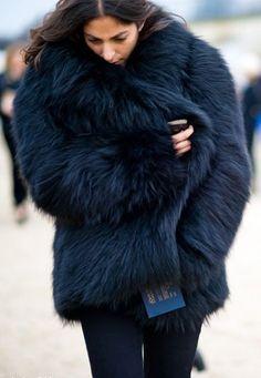 Midnight blue fur coat – street style fashion