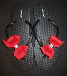 Colored Bridal Bow Flip Flops by laceeeyb88 on Etsy, $10.00