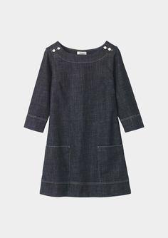Briditte Tunic by Toast. The topstitching along the facing reminds me of the Sailboat Top. How fun would it be to make the Sailboat into a dress!?