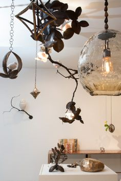VISI / Articles / First global design fair in Africa for WDC2014 Hanging collage lamp .David Wiseman