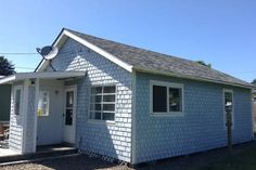 Check out this awesome listing on Airbnb: Yachats Cottage by the Sea in Yachats - Get $25 credit with Airbnb if you sign up with this link http://www.airbnb.com/c/groberts22