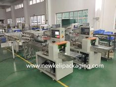 China Fully Automatic Tray Loading And Packing Machine For Bread/Cake/Cookies Suppliers and Manufacturers - Low Price Fully Automatic Tray Loading And Packing Machine For Bread/Cake/Cookies Factory - New Keli