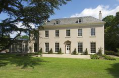 Bespoke, traditional single glazed window replacements from the Mumford & Wood Conservation™ range have been installed in this stunning Grade II Listed home.