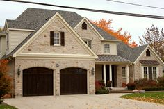 Exterior Stone Siding with manufactured stone. Faux stone is the logical alternative to natural stone at affordable price for exterior stone siding. Stone Siding Panels, Faux Stone Siding, Stone Veneer Panels, Brick Siding, Stone Cladding, House Siding, Exterior Siding, Brick And Stone, Cladding Panels