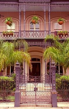 New Orleans - Garden District - Dream Home! New Orleans Homes, New Orleans Louisiana, Louisiana Usa, Louisiana Creole, The Places Youll Go, Places To Go, New Orleans Garden District, New Orleans Architecture, Magic Places