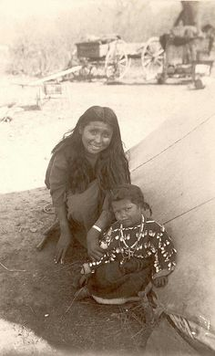 Kiowa mother with a very skeptical daughter, children are such instinctual creatures. Native American Children, Native American Pictures, Native American Beauty, Native American Tribes, Native American History, Mayan Symbols, Viking Symbols, Egyptian Symbols, Viking Runes
