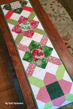 Quilt Story - Purse Strings quilt block table runner from Kelly at My Quilt Infatuation - tutorial
