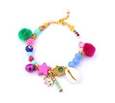 Evil eye hamsa hand bracelet ,beaded bracelet ,seashell bracelet ,one of a kind door HipLikeMe op Etsy https://www.etsy.com/nl/listing/233567320/evil-eye-hamsa-hand-bracelet-beaded