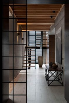15 INSPIRATION AND IDEAS TO GET A MORE CONTEMPORARY FOYER * View more inspirations at http://www.brabbu.com/en/inspiration-and-ideas/category/materials/wood #moodboard #textures #wood