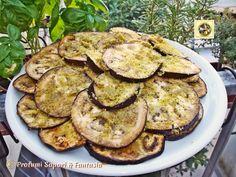 Fette di melanzane al forno saporite, un'ottimo contorno per ogni pietanza. Una ricetta veloce da realizzare bastano pochi ingredienti per servire in tavola
