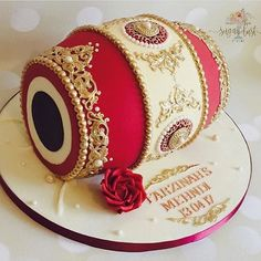 "We're in love this ""Dholki"" cake for Mehendi ❤️️ #cake #weddingcake #weddingcakes #indianwedding #indianweddings #indianweddinginspiration #evedeso #eventdesignsource - posted by PlanningWale https://www.instagram.com/planningwale_official. See more Wedding Cake Designs at http://Evedeso.com"