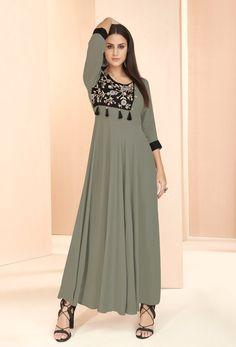 Designer Kurtis, Designer Wear, Salwar Kameez, Long Kurtis Online, Robes Western, Western Dresses Online, Party Kleidung, New Kurti Designs, Dress Designs